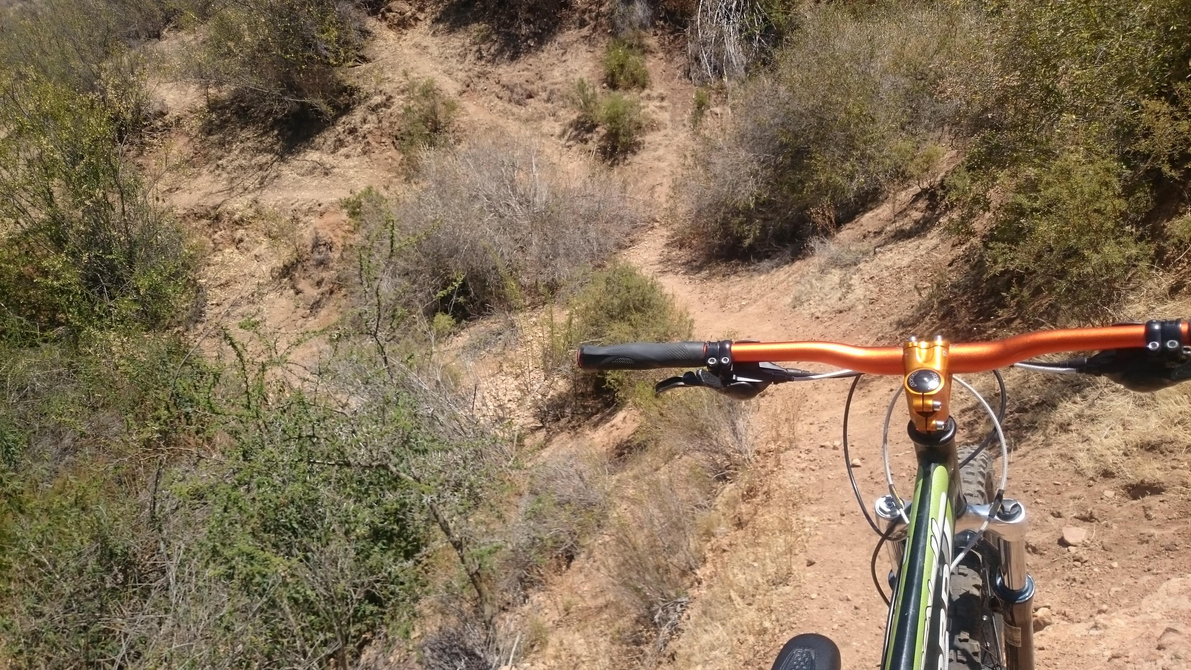 Sendero de cabra sobre el cerro